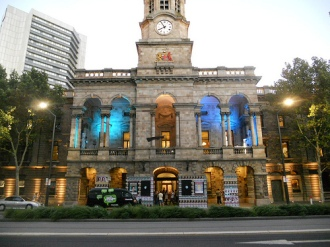 Adelaide Town Hall. Photo by Michael Coghlan. Via Flickr. CC